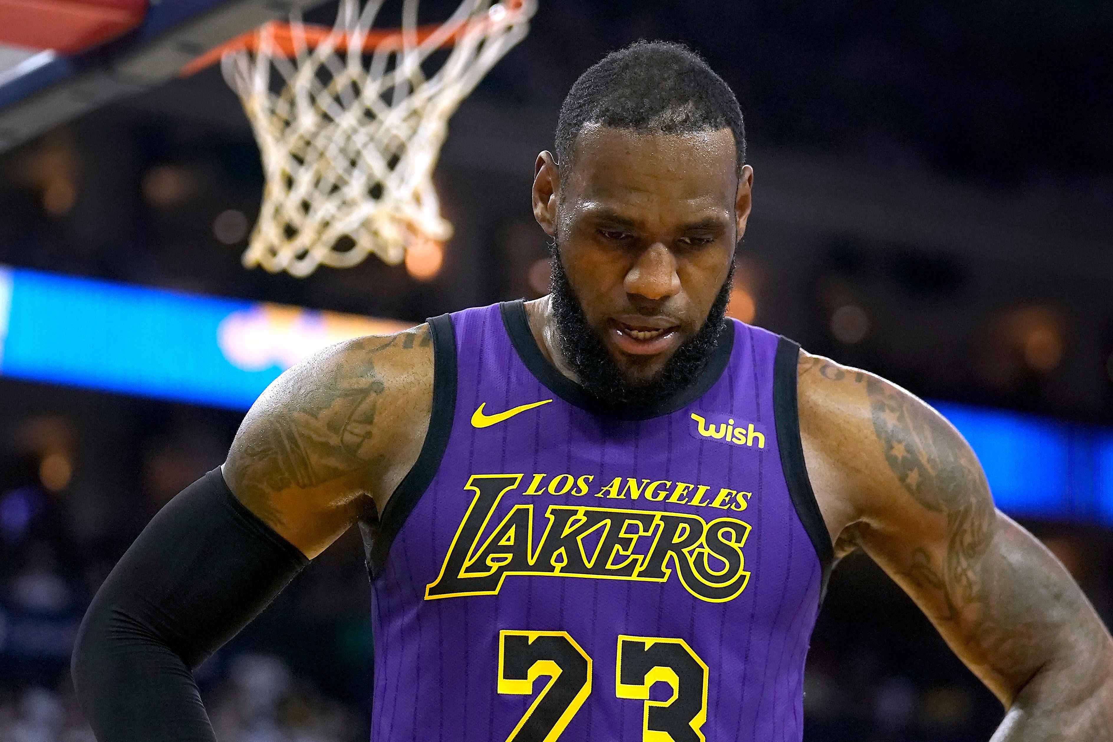ea7b6d500013f5 LeBron James no jugará el jueves contra los Minnesota Timberwolves de  acuerdo con el entrenador de Los Angeles Lakers, Luke Walton, extendiendo  la ausencia ...