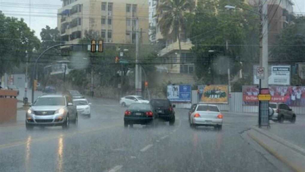 Llaman a dominicanos a estar atentos por lluvias de tormenta Dorian