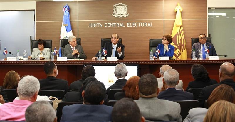 JCE entrega éste martes a partidos padrón electoral para comicios en peligro