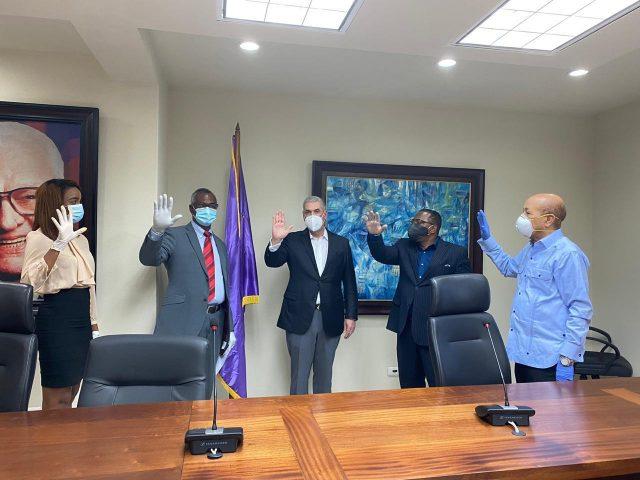 Gonzalo le saca dos alcaldes al PRSC y Abinader se lleva un diputado del PRD